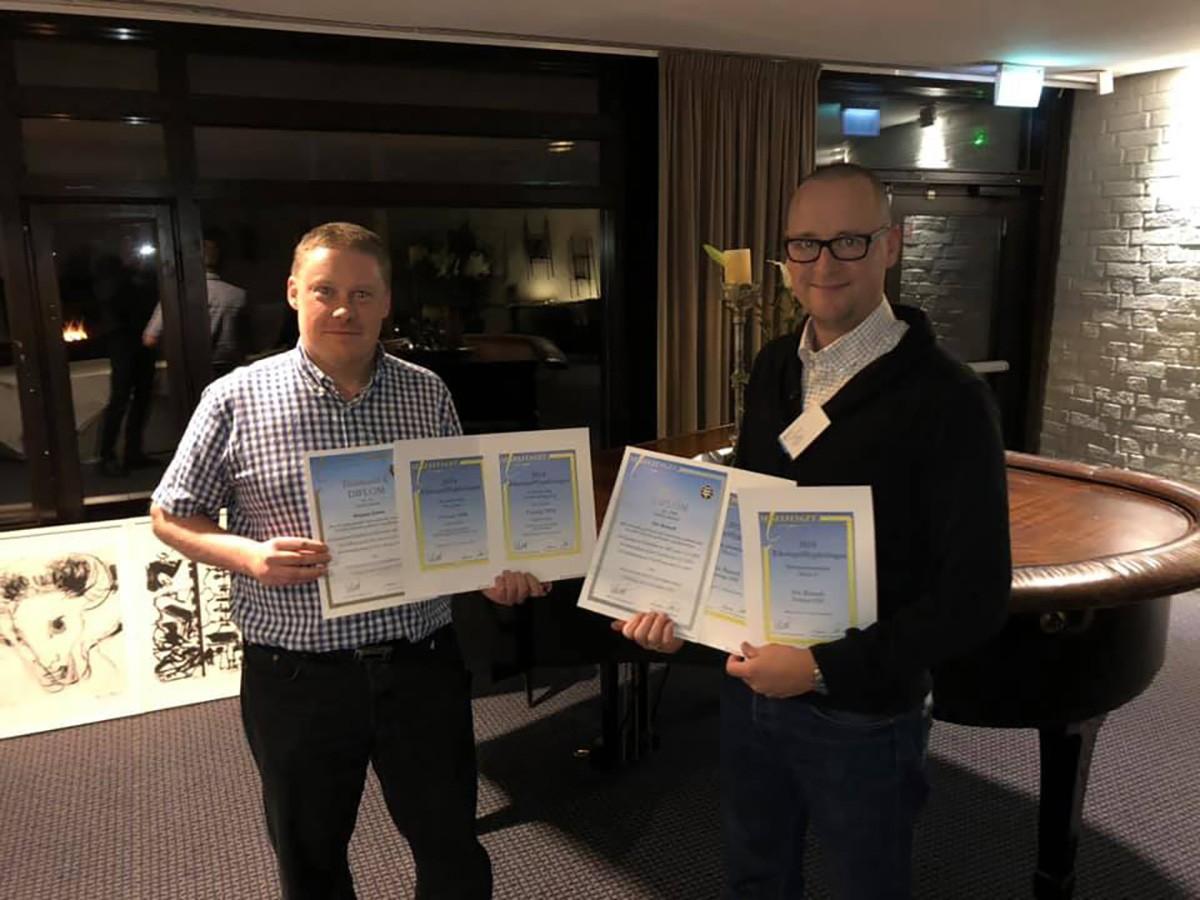 Per Barshell og MAgnus Schon modtager pris