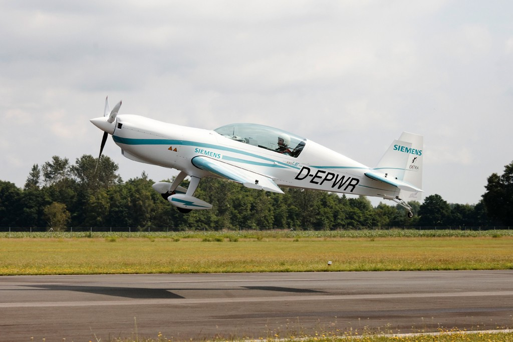 Erstflug mit Weltrekord-Motor / Maiden flight with a record-setting motor