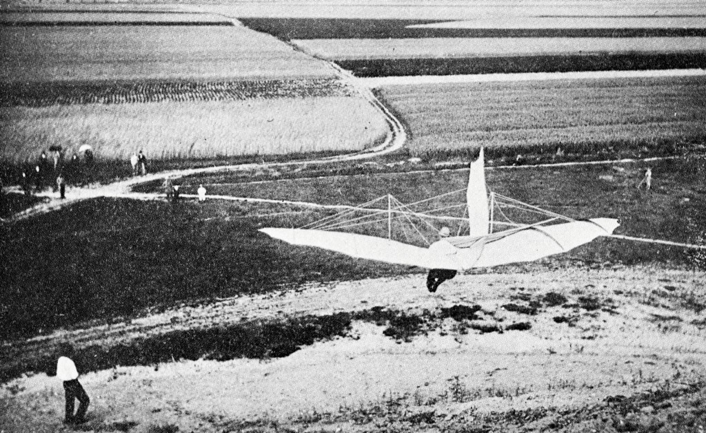 Lilienthal_from_back Glider No. 11, first built in late 1894, became Lilienthal's workhorse Standardsegelfluggerat