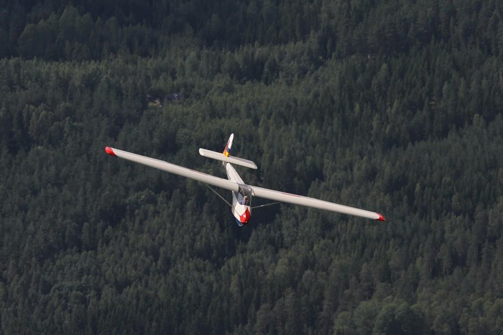 Fortidens ASK-21; En relativt billig adgangsbillet til klassiker-klubben er fx denne Schleicher Ka4 Rhönlerche og med et glidetal på under 20 får man fin volumentræning i start og landinger!