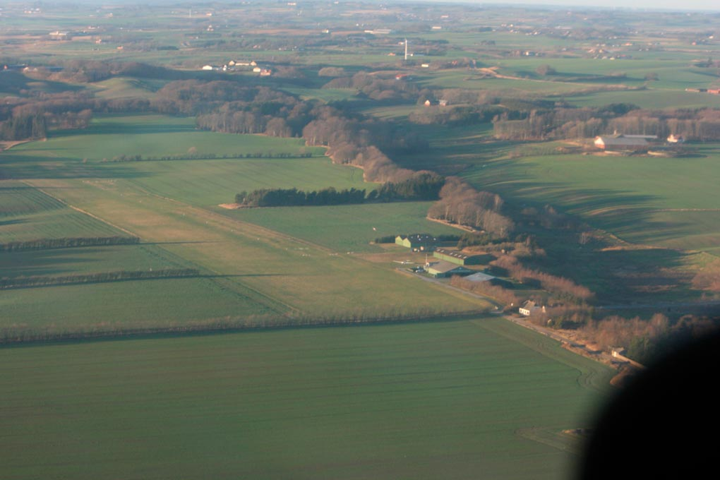 Sæby Flyveplads, hvor klubben holder til.